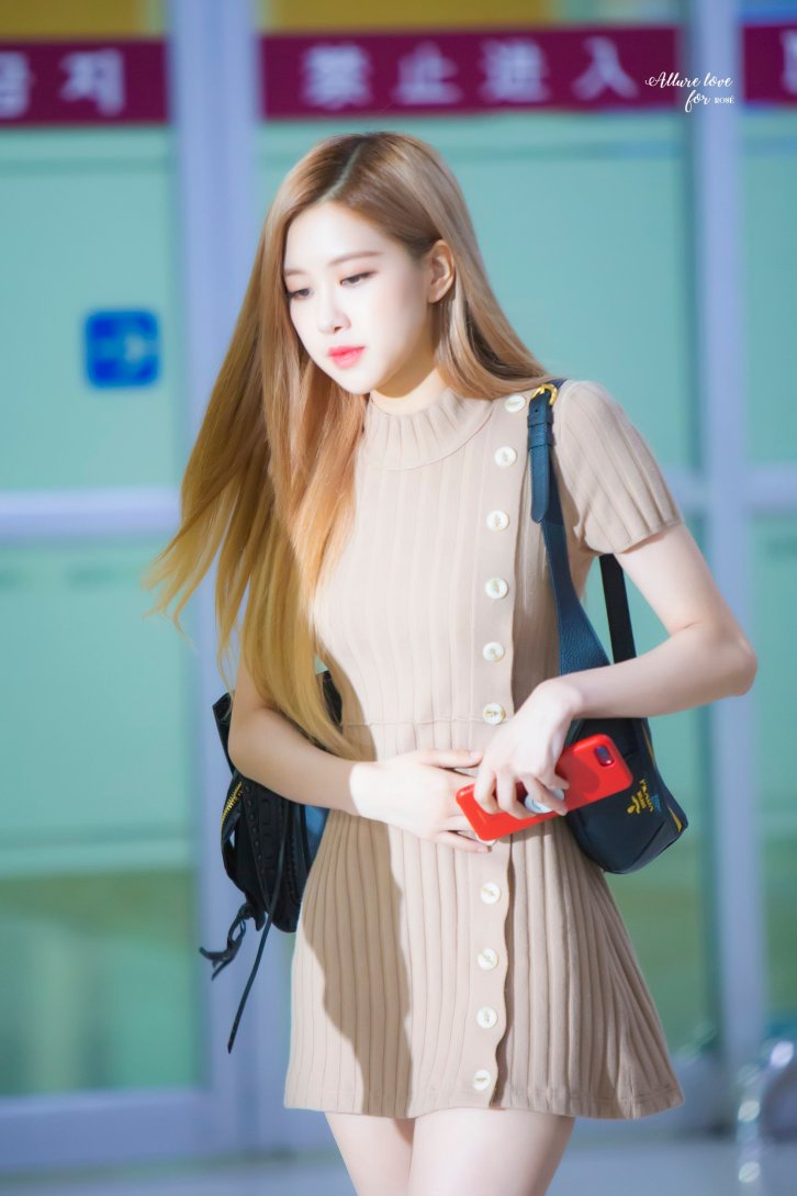 27-BLACKPINK-Rose-Airport-Photo-Gimpo-19-September-2018
