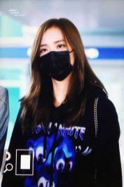 28-BLACKPINK-Jisoo-Airport-Photo-Incheon-Seoul-From-New-York