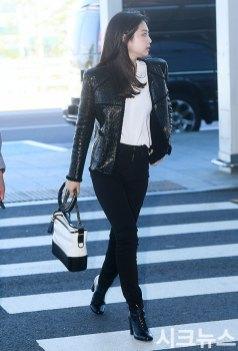 29-BLACKPINK-Jennie-Airport-Photos-Incheon-to-France-Paris-Fashion-Week