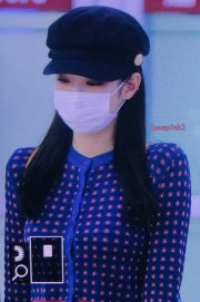 30-BLACKPINK-Jennie-Airport-Photo-Gimpo-19-September-2018-hat