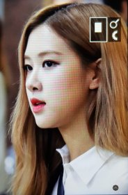 30-BLACKPINK Rose Airport Photo 17 September 2018 Gimpo to Japan