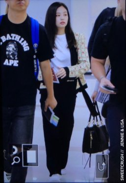 31-BLACKPINK Jennie Airport Photo 17 September 2018 Gimpo to Japan