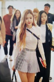 31-BLACKPINK Rose Airport Photo 17 September 2018 Gimpo to Japan