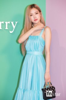 35-BLACKPINK-Rose-Mulberry-Event-Seoul-6-September-2018