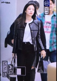 45-BLACKPINK Jennie Airport Photos Incheon to Paris Fashion Week