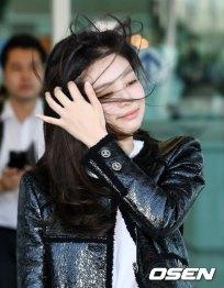 47-BLACKPINK-Jennie-Airport-Photos-Incheon-to-France-Paris-Fashion-Week