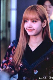 5-BLACKPINK-Lisa-Moonshot-Yoo-In-Na-Product-Launch-Event-Myeongdong