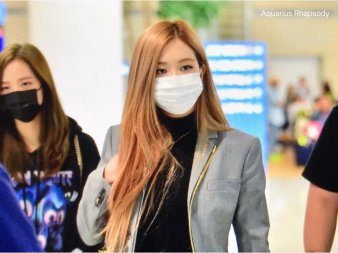 5-BLACKPINK Rose Airport Photo Incheon Seoul From New York