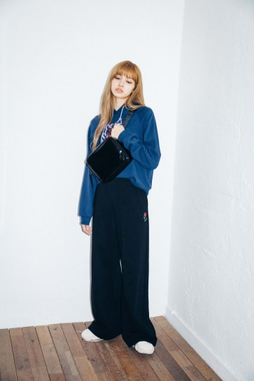 52-BLACKPINK Lisa X-girl Japan Nonagon Collaboration