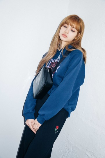 53-BLACKPINK Lisa X-girl Japan Nonagon Collaboration