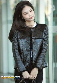 55-BLACKPINK-Jennie-Airport-Photos-Incheon-to-France-Paris-Fashion-Week