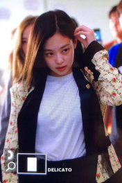 6-BLACKPINK Jennie Airport Photo 17 September 2018 Gimpo to Japan