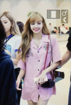 6-BLACKPINK-Lisa-Airport-Photo-31-August-2018-Gimpo