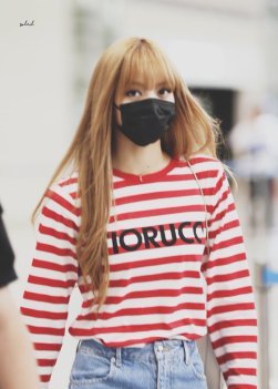 6-BLACKPINK Lisa Airport Photo Incheon Seoul From New York