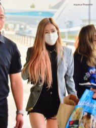 6-BLACKPINK Rose Airport Photo Incheon Seoul From New York