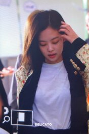 7-BLACKPINK Jennie Airport Photo 17 September 2018 Gimpo to Japan