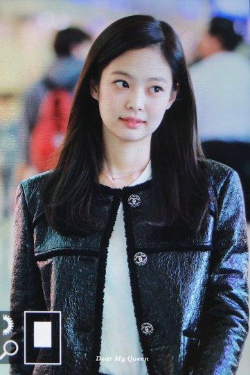 71-BLACKPINK Jennie Airport Photos Incheon to Paris Fashion Week