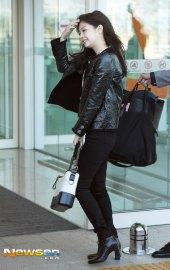 72-BLACKPINK-Jennie-Airport-Photos-Incheon-to-France-Paris-Fashion-Week