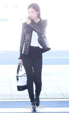 82-BLACKPINK-Jennie-Airport-Photos-Incheon-to-France-Paris-Fashion-Week