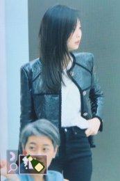 84-BLACKPINK Jennie Airport Photos Incheon to Paris Fashion Week