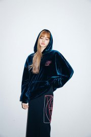 9-BLACKPINK Lisa X-girl Japan 2nd Nonagon Collaboration