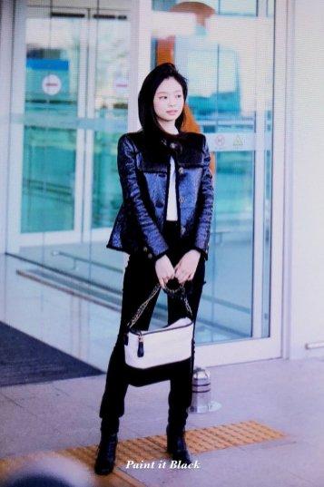 92-BLACKPINK Jennie Airport Photos Incheon to Paris Fashion Week