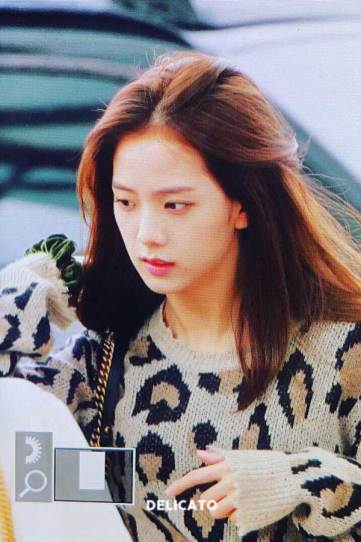 11-BLACKPINK-Jisoo-Airport-Photos-Incheon-5-October-2018