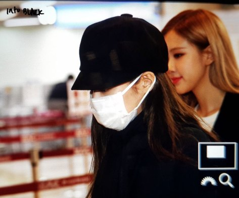 12-BLACKPINK-Jennie-Airport-Photos-9-October-2018-to-Japan