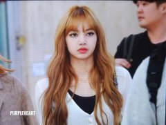 14-BLACKPINK-Lisa-Airport-Photo-10-October-2018-From-Japan