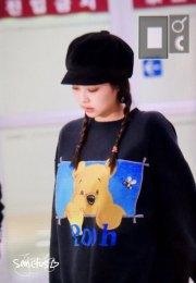 15-BLACKPINK-Jennie-Airport-Photo-10-October-2018-From-Japan