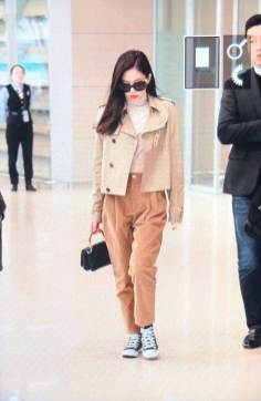 15-BLACKPINK-Jennie-Airport-Photo-4-October-2018-from-Paris