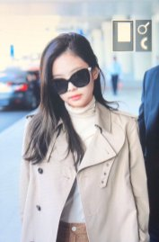 16-BLACKPINK Jennie Airport Photo 4 October 2018 from Paris