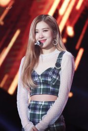 16-HQ-BLACKPINK-Rose-BBQ-SBS-Super-Concert-2018