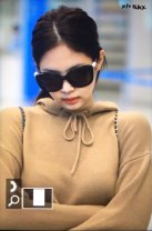 17-BLACKPINK-Jennie-Airport-Photo-Incheon-20-October-2018