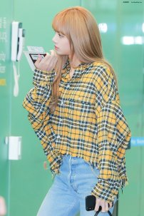 17-BLACKPINK Lisa Airport Photos Incheon 5 October 2018