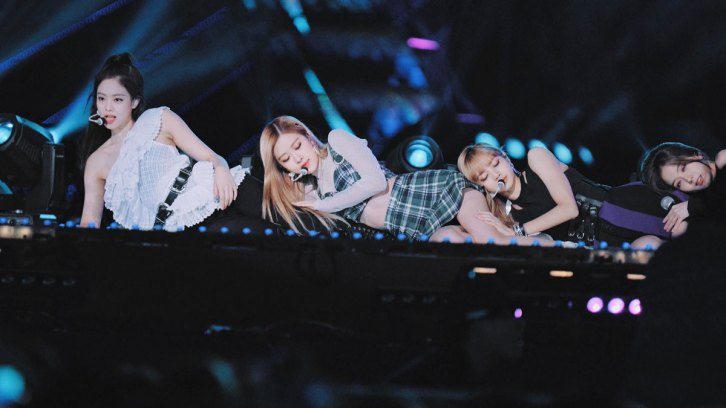 18-BLACKPINK-BBQ-SBS-Super-Concert-2018
