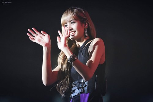 18-HQ-BLACKPINK-Lisa-BBQ-SBS-Super-Concert-2018