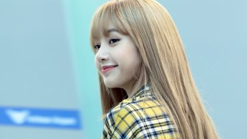 19-BLACKPINK Lisa Airport Photos Incheon 5 October 2018