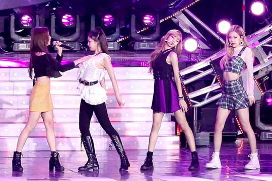BLACKPINK Photos and Videos at BBQ & SBS Super Concert 2018