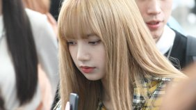 20-BLACKPINK Lisa Airport Photos Incheon 5 October 2018