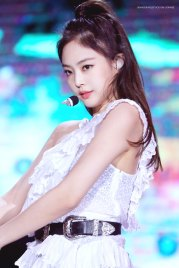 23-HQ-BLACKPINK-Jennie-BBQ-SBS-Super-Concert-2018