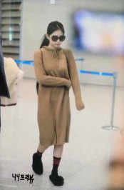 25-BLACKPINK-Jennie-Airport-Photo-Incheon-20-October-2018