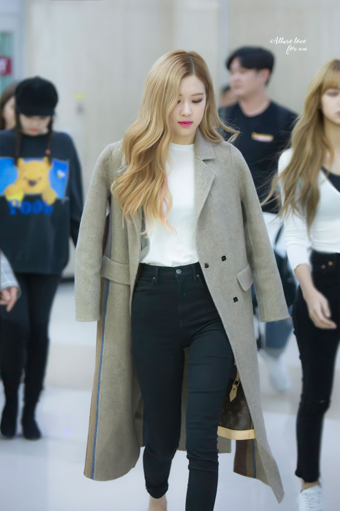 25-BLACKPINK-Rose-Airport-Photo-10-October-2018-From-Japan