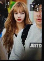 26-BLACKPINK-Lisa-Airport-Photo-10-October-2018-From-Japan