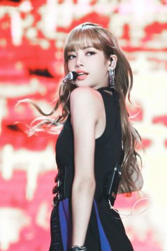 26-HQ-BLACKPINK-Lisa-BBQ-SBS-Super-Concert-2018