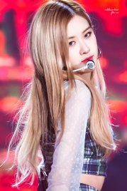 28-HQ-BLACKPINK-Rose-BBQ-SBS-Super-Concert-2018