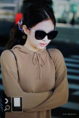 29-BLACKPINK-Jennie-Airport-Photo-Incheon-20-October-2018