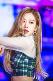 29-HQ-BLACKPINK-Rose-BBQ-SBS-Super-Concert-2018