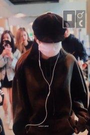 3-BLACKPINK-Jennie-Airport-Photos-Incheon-7-October-2018