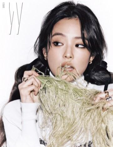 3-HQ-BLACKPINK Jennie W Korea Magazine November 2018 Issue